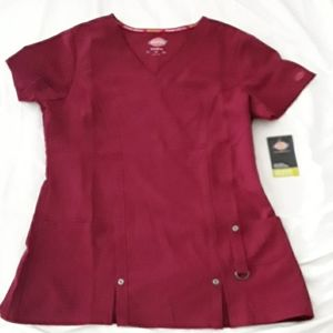 Scub Top NWT Dickies color is Maroon